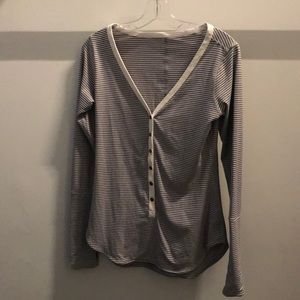 Lululemon cream and gray stripeLS top, sz 4, 72179